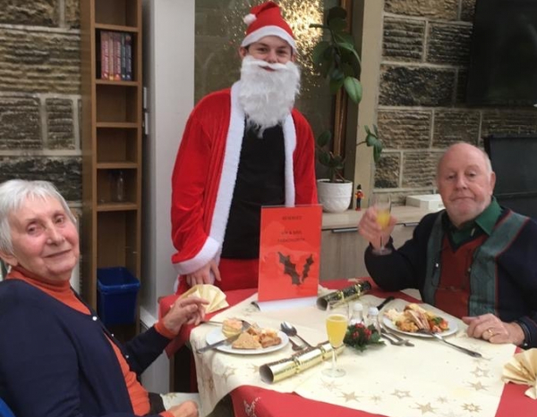 Care homes offer free lunch to those spending Christmas day alone